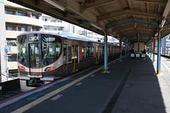 xxx 42 JR-West 323-2 (LS02), Fukushima (Osaka Loop Line) (Howard_Pulling) Tags: 323 class323 323series emu osaka osakaloop japan kansai rail railway zug bahn bahnhof gare station