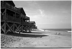 outer banks (authentic hawaiian shirt) Tags: adox silvermax leicam4