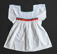 Blusa Nahua Blouses Mexican Textiles Veracruz (Teyacapan) Tags: blusa nahua veracruz mexico huasteca blouse ayacatla textiles ropa clothing
