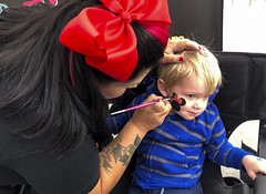 Minnie Mouse, Of Course (evaxebra) Tags: ash facepaint face paint tiffany huntington beach hb surf city nights minnie mouse red bow