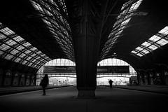 Retiro como ojos (Diego Epstein) Tags: trainstation blackandwhite blancoynegro buenos aires loneliness d600 nikon tamron 2875mm