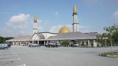 DSC06316-Masjid Al-Mustaqim Bandar Seri Putra, Bangi,Selangor (RaaiMan~PhotoActive | الراعى عثمان) Tags: masjid malaysia selangor
