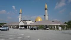 DSC06312-Masjid Al-Mustaqim Bandar Seri Putra, Bangi,Selangor (RaaiMan~PhotoActive | الراعى عثمان) Tags: masjid malaysia selangor
