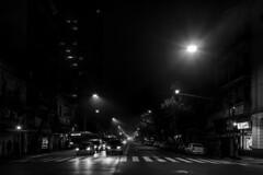 Noche de niebla (Wal Wsg) Tags: noche night thenight lanoche phwalwsg argentina buenosaires caba villacrespo byn bw ciudad city
