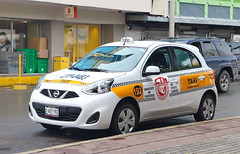 Nissan March Taxi in Nuevo Laredo 3.5.2019 0639 (orangevolvobusdriver4u) Tags: 2019 archiv2019 mexiko mexico mexique tamaulipas nuevolaredo taxi teksi taksi nissan ctm ctmtaxi nissanmarch march car auto