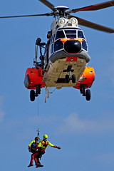UPE  2244 AS332L1 Super Puma  Istres 03-06-16 (Antonio Doblado) Tags: airplane aircraft aviation aviacion istres puma superpuma aerospatiale upe as332 2244 helicoptero rotorcraft