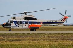 UPE  2244 AS332L1 Super Puma  Istres 03-06-16 (Antonio Doblado) Tags: airplane aircraft aviation aviacion istres puma helicoptero superpuma aerospatiale upe rotorcraft as332 2244