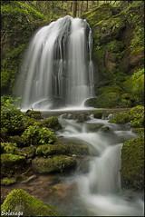 Una refrescante (Solasaga) Tags: cascada agua solasaga