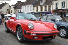 Porsche 911 Carrera Cabriolet 930 (Monde-Auto Passion Photos) Tags: voiture vehicule auto automobile porsche 911 carrera cabriolet 930 red rouge ancienne classique collection sportive rassemblement france courtenay