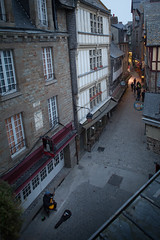 Street musician (Michel Couprie) Tags: europe france normandy normandie montsaintmichel manche village medieval street people musician guitarist houses maisons canon eos tse24mmf35l couprie