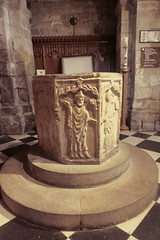 Medieval font inside Bakewell Church (dave_attrill) Tags: font medieval ancient grail holy church bakewellchurch allsaints bakewell town peakdistrict nationalpark derbyshire historic june 2019
