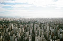 São Paulo (Lucas Marcomini) Tags: landscape filmphotography analog 35mm urban city cityscape above airplane brasil brazil sãopaulo sampa beautifuldestinations breathtakingdestinations urbanscape buildings metro travel film filmisnotdead buyfilmnotmegapixels 35mmfilm ishootfilm lucasmarcomini