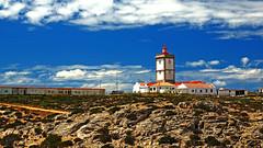 Farol do Cabo Carvoeiro (Manuel Chagas) Tags: farol lighthouse cabocarvoeiro capcarvoeiro peniche portugal manuelchagas céu sky cloud cloudy blue azul nuvem nublado olympus olympusem1 em1 omd mft m43 microfourthirds zuiko mzuiko olympus40150f28 mzuiko40150f28 mzuikoprolens