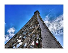 Paris Géant (CJS*64) Tags: france paris cjs64 craigsunter cjs travel traveller travelling europe european colour colours panasonic lx100 panasoniclx100