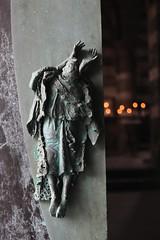 Chiesa di San Pietro (just.Luc) Tags: door deur porte tür brons bronze metal metaal sculpture escultura candles kaarsen bougies ligurië liguria ligurie ligurien kerk kirche église church iglesia chiesa italia italy italien italie italië europa europe