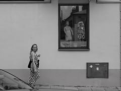 Jarosław Rynek Michalowska IMG_2469.jpg bw (david.neville2776) Tags: jarosław podkarpackie girl wall window shop display reflection bw