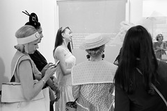 Art lovers (titan3025) Tags: leica leicam6 m6 ilford hp5 ilfordhp5 film analog art basel 2019 artbasel