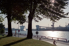 Ventspils, 15 (Vygintas R.) Tags: 387718 ventspils latvia port harbor cruiseship ship light 35mmfilm film kodakultramax400 iso400 bessar2a leicasummicron50mmf20v quay ostasiela rangefinder vygintasračinskas cron50 balticsea