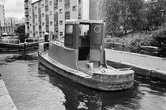 Little push boat from the 1960s (titan3025) Tags: leica m6 leicam6 ilford hp5 ilfordhp5 analog film london 2019