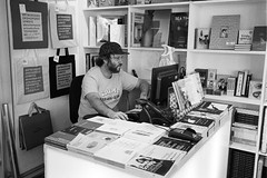 Cute book store - Artwordsbookshop (titan3025) Tags: leica m6 leicam6 ilford hp5 ilfordhp5 analog film london 2019