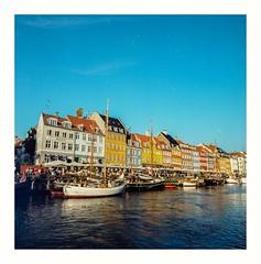 Kopenhagen on Kodak Ektar 100 (rudeskull) Tags: c41 analoge film bw noiretblanc blanconegro kodak kopenhagen dk danmark europa hafen schiff ship hasselblad farbe antik alt zeiss urlaub vacation travel