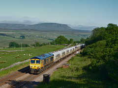 66733 Salt Lake Cottages (fishpl8) Tags: ribbleheadrailwaysettle carlisle 66733 6c00