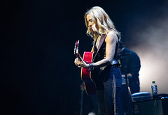 SHERYL (Gig Junkies) Tags: 2019 audleyfreed colinmacleod concert concertphotos concerts frankralph gigjunkies gigphotos gigreviews gigs live lowrytheatre music peterstroud photos reviews salford sherylcrow pics pictures review setlist