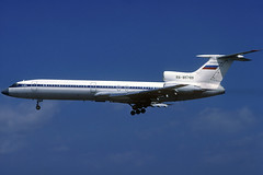 Untitled (Enkor) TU-154M RA-85789 BCN 11/08/2001 (jordi757) Tags: airplanes avions nikon f90x kodachrome kodachrome64 bcn lebl barcelona elprat tupolev tu154 aeroflot ra85789