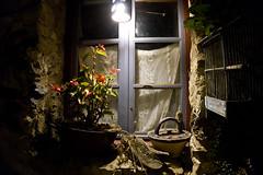 Llo Frankreich (KN-Lichtspiel) Tags: pyrenäen llo fenster beleuchtet