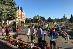 Street Musicians - Victoria, BC (Ken Pick) Tags: victoria canada britishcolumbia 119picturesin2019 streetlife