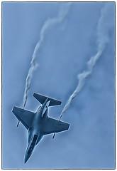 Volkel Airshow 2019 (erik.verheyen) Tags: luchtmachtdagen volkel nederland airshow f16 f35 redarrows patrouilledefrance patrouillesuisse airpowerdemo hercules boeing airforce militairy sky spitfire parachutisten f4phantom saabviggen saabdraken sukhoi chinook c17globemaster