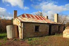 Padthaway Heritage Cottage (Darren Schiller) Tags: padthaway southaustralia australia abandoned building cottage corrugatediron derelict disused decaying deserted dilapidated empty limestone galvanisediron history heritage iron old rural rustic rusty ruin smalltown tin tank wall