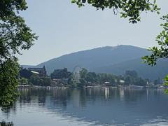 Titisee (Klemens Maier) Tags: badenwürttemberg sony dschx350 titisee titiseeneustadt hohfirst see schwarzwald südschwarzwald hochschwarzwald baden wasser berg riesenrad kurpark boote