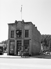First National Bank - Established 1881 (LarsHolte) Tags: pentax 645 pentax645 645n 6x45 smcpentaxfa 75mm f28 120 film 120film analog analogue kosmo foto mono 100iso mediumformat blackandwhite classicblackwhite bw monochrome filmforever filmphotography d76 ishootfilm larsholte homeprocessing custer city blackhills nationalforest usa