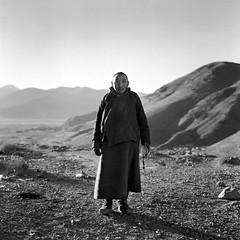 tibet1999_98 (Shinya Arimoto) Tags: tibet 6×6 bw tmax400 tibet1999 rolleiflex xenotar 80mm f28 portrait happyplanet asiafavorites