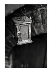 Lamp (K.Pihl) Tags: perceptolstock monochrome dengamleby blackwhite zuiko50mmf14 pellicolaanalogica kodaktrix400320 schwarzweiss bw analog film olympusom4 400tx