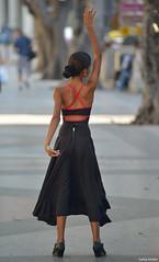 Dancer (Havana, Cuba). (Carlos Arriero) Tags: lahabana cuba dancer bailarina havana carlosarriero nikon d800e 70200mmf28 dof bokeh girl chica joven young streetphoto street urbanphoto urban calle viajar travel people personas fotocallejera f28