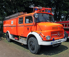 Neon Fire Truck (Schwanzus_Longus) Tags: bockhorn german germany old classic vintage fire engine fighting department brigade feuerwehr truck lorry mercedes benz 1113
