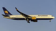 TF-ISW_JFK_Landing_22L (MAB757200) Tags: icelandair b767319er tfisw aircraft airplane airlines airport jetliner landing runway22l jfk kjfk boeing gullborg