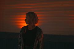Катя (Miss Swarm) Tags: canon portrait girl light redlight night 55mm