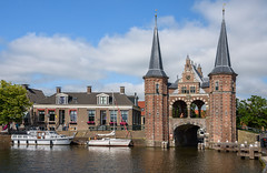 Sneek. The Watergate (Julysha) Tags: sneek friesland architecture thenetherlands gate town canal boats summer june nikkor1680284 d7200 acr sunny