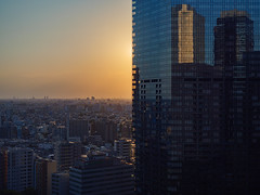 sunset behind (peaceblaster9) Tags: sunset building structure city reflection 日没 サンセット 建物 ビル 建築物 都市 街 反射 写り込み shinjuku tokyo 東京 新宿 町並み