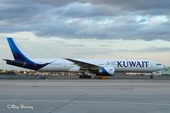 9K-AOF (320-ROC) Tags: kuwaitairways 9kaof boeing777 boeing777300 boeing777369er boeing 777 777300 777300er boeing777300er 777369er b77w jfk kjfk newyorkjfkairport johnfkennedyinternationalairport newyorkkennedyairport newyorkjohnfkennedyinternationalairport newyorkcity