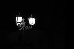 tres (boriskombol) Tags: bw bnw bn blackandwhite blancoynegro biancoenero nb noiretblanc cb crnobijelo sw schwarzweis monochrome mono monotone monocromatico monocromo outside outdoor canon 60d eos nightshot laterne lantern lanterne linterna nacht night noche nuit drei three tres trois minimalism minimalisme minimalismo minimalismus