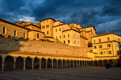 Dark Clouds - Golden Lights (Mr.Dare) Tags: assisi umbria italia italy medieval architecture building sky clouds darkclouds thunderstorm houses windows goldlight rain sunset dusk sunlight