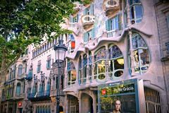 I can't resist when I pass by (Fnikos) Tags: street building architecture art wall decoration decor design column door window windows balcony balconies colour color colors colores modernismo casabatlló gaudí nature tree outside outdoor reflection shadow shadows