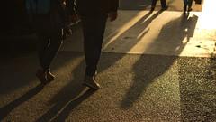 Paris 18e - Boulevard de Clichy (philch6) Tags: paris boulevard de clichy france juin june 2019 été summer grands boulevards lumière light soir soirée solstice pentax k3 ricoh philch6 philippe charles パリ フランス 日没 光 jogger jogging rue blanche place