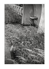Bus stop (K.Pihl) Tags: perceptolstock monochrome analog kodaktrix400320 zuiko50mmf14 busstop blackwhite schwarzweiss bw pellicolaanalogica film olympusom4 400tx