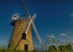 Great Haseley Windmill (akatsoulis) Tags: soe exploring architecture d5300 nikkor nikon bluesky nature oxford oxfordshire greathaseley windmill stonebuilt