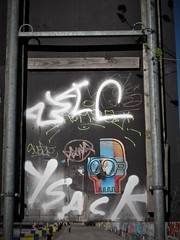 Blockhead / Bruxelles - 27 jun 2019 (Ferdinand 'Ferre' Feys) Tags: bxl brussels bruxelles brussel belgium belgique belgië streetart artdelarue graffitiart graffiti graff urbanart urbanarte arteurbano ferdinandfeys pasteup wheatpaste